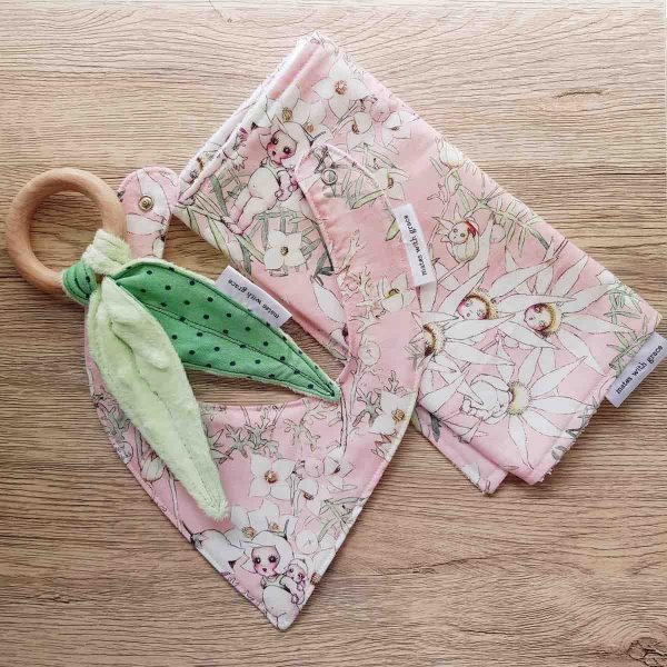 Mates With Grace May Gibbs Flannel Flowers Pink Baby Set